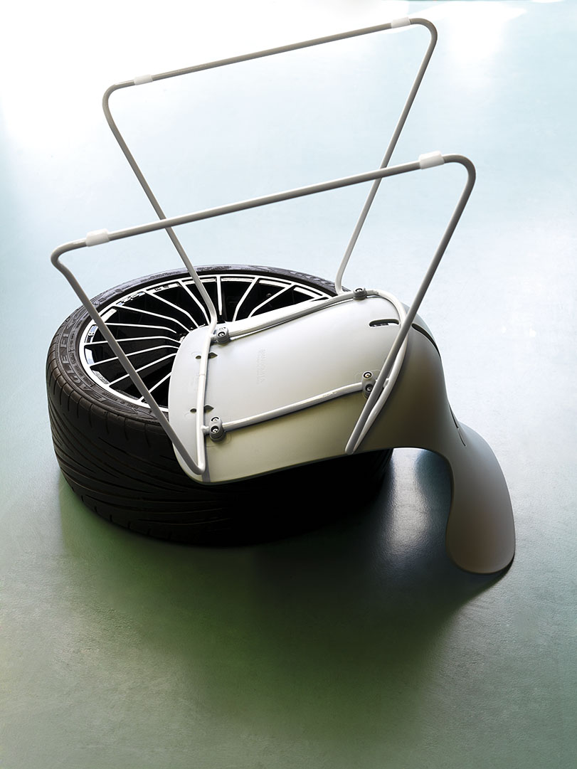 Mariquita - Ximo Roca Diseño. Silla apilable de polipropileno muy versátil de diseño moderno en versiones: silla, taburete, sillón, taburete regulable ...