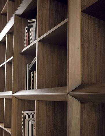 Década - Ximo Roca Diseño. Colección realizada con la más alta tecnología, íntegramente en nogal. Diseño de producto. Diseño de mobiliario. Biblioteca