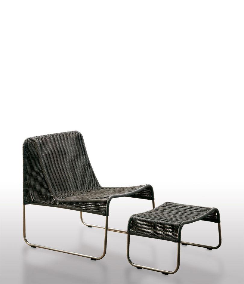 Ungría - Ximo Roca Diseño. Estructura de acero inoxidable, tejida con profil lo que permite ubicarla en el exterior. Silla de diseño adaptable a cualquier ámbito