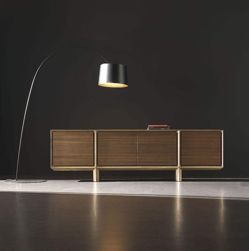 Década - Ximo Roca Diseño. Colección realizada con la más alta tecnología, íntegramente en nogal. Diseño de producto. Diseño de mobiliario para el hogar