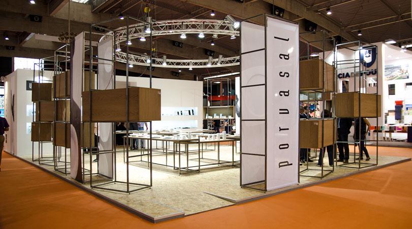 Porvasal - Ximo Roca Diseño. Diseño de stand para Hostelco. Arquitectura efímera para empresa fabricantes de vajillas de porcelana para la hostelería.
