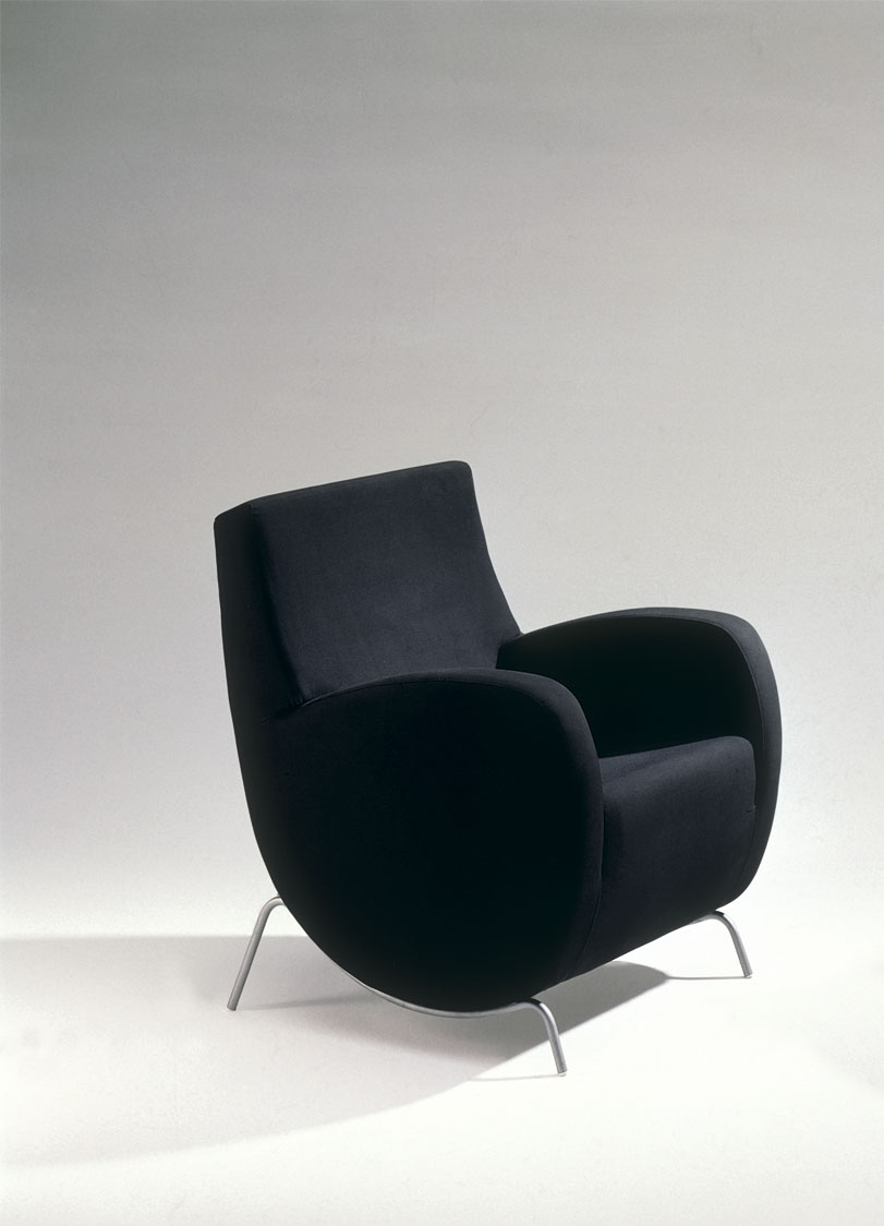 Adiantino - Ximo Roca Diseño. silla mecedora moderna de lineas simples y agradables que la hacen un icono muy versátil tanto para hogar como para el contract.