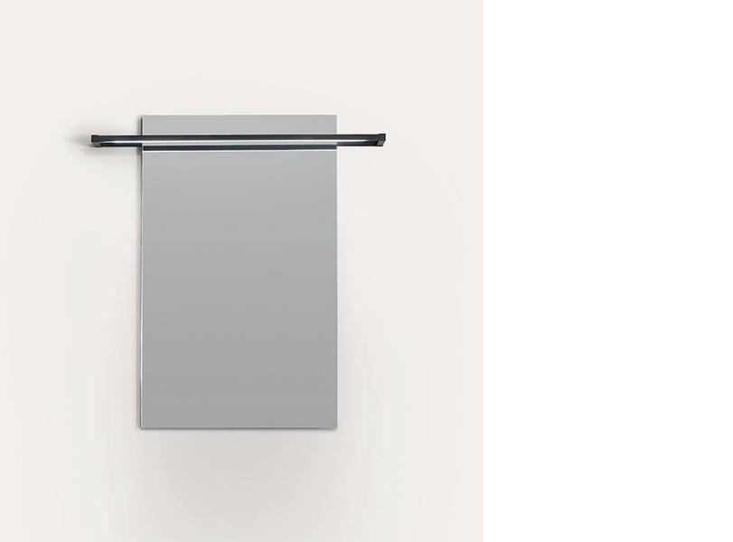 Cella Colección de espejos para el baño con iluminación led integrada.